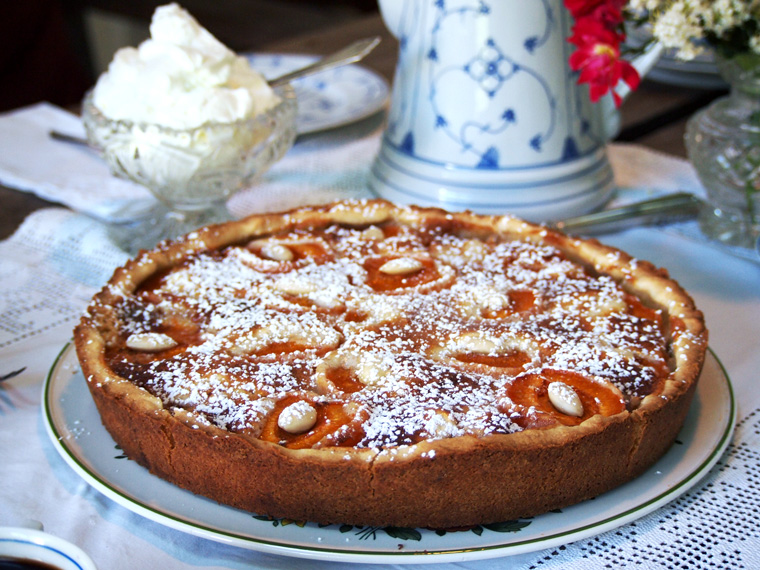 Apricot Almond Tart {German Recipe}