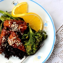 Orange Marmalade Glazed Tempeh with Broccoli & Black Rice
