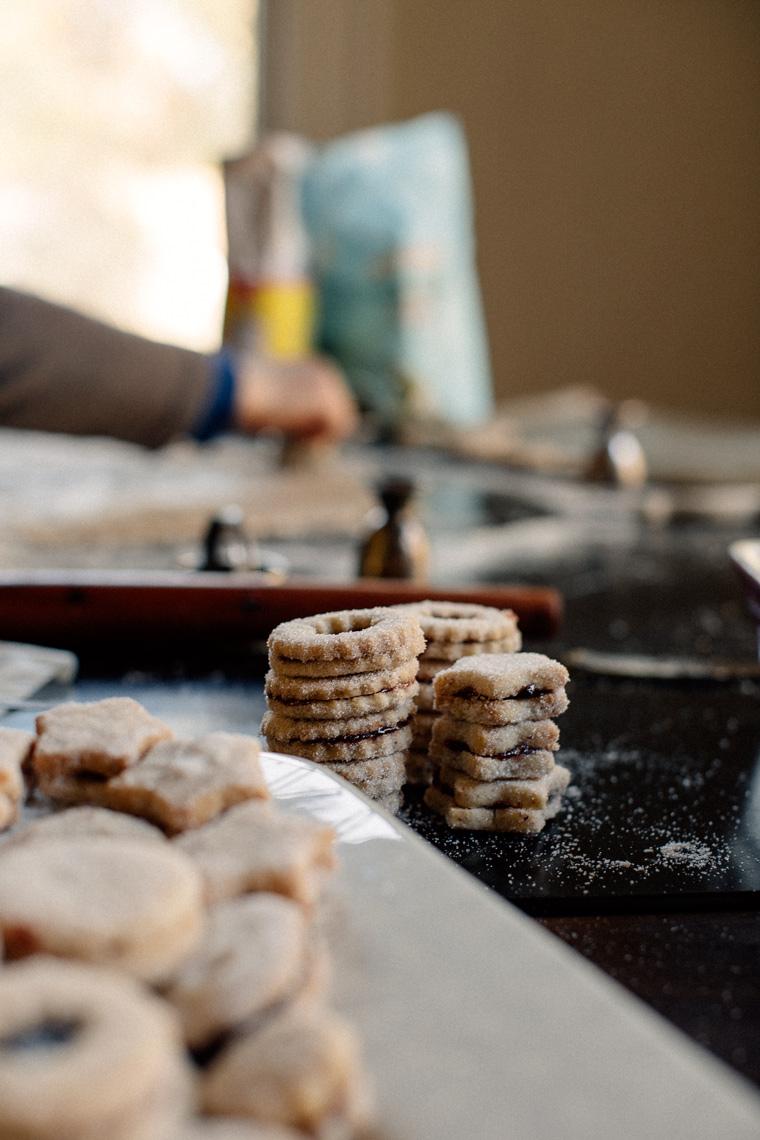 Spitzbuben {Jam Sandwich Cookies}